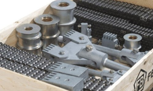 Bespoke chain assembly kits, delivered just in time