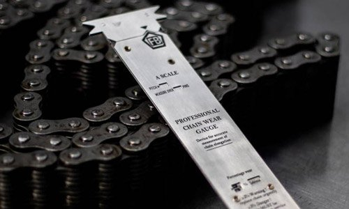What is the difference between leaf chain wear and chain stretch?